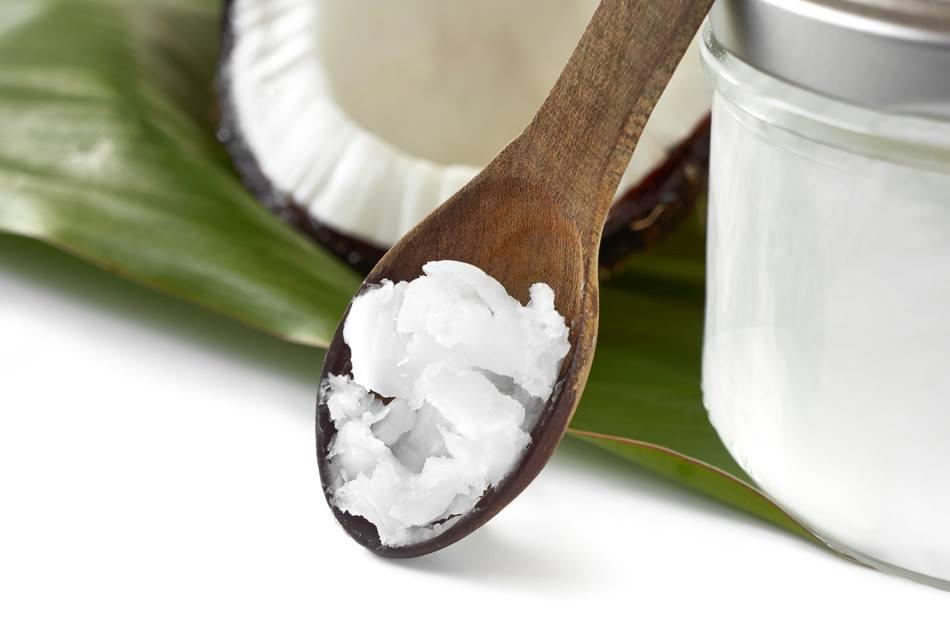 Aceite de coco en la cocina fitness
